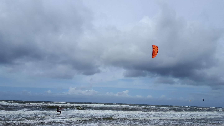 KITE SURFERS AT BERGEN AAN ZEE